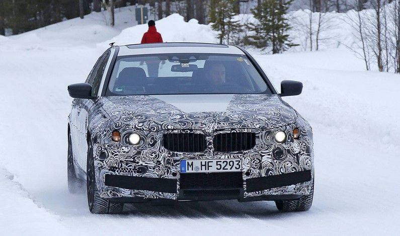 front view 2 2018 BMW M5 xDrive