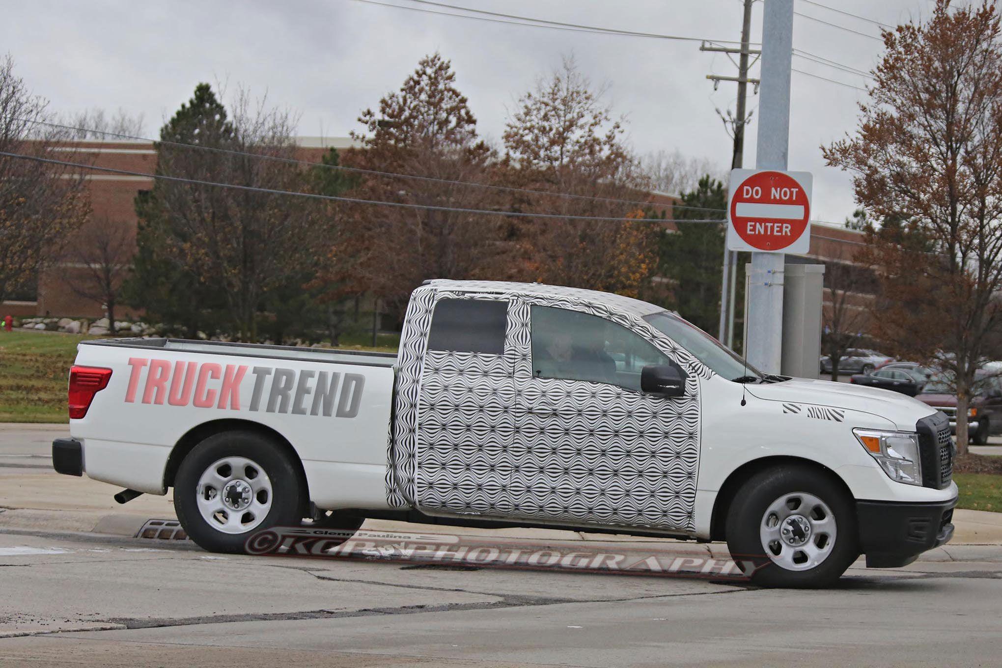2018 Nissan Titan Extended Cab spy shots