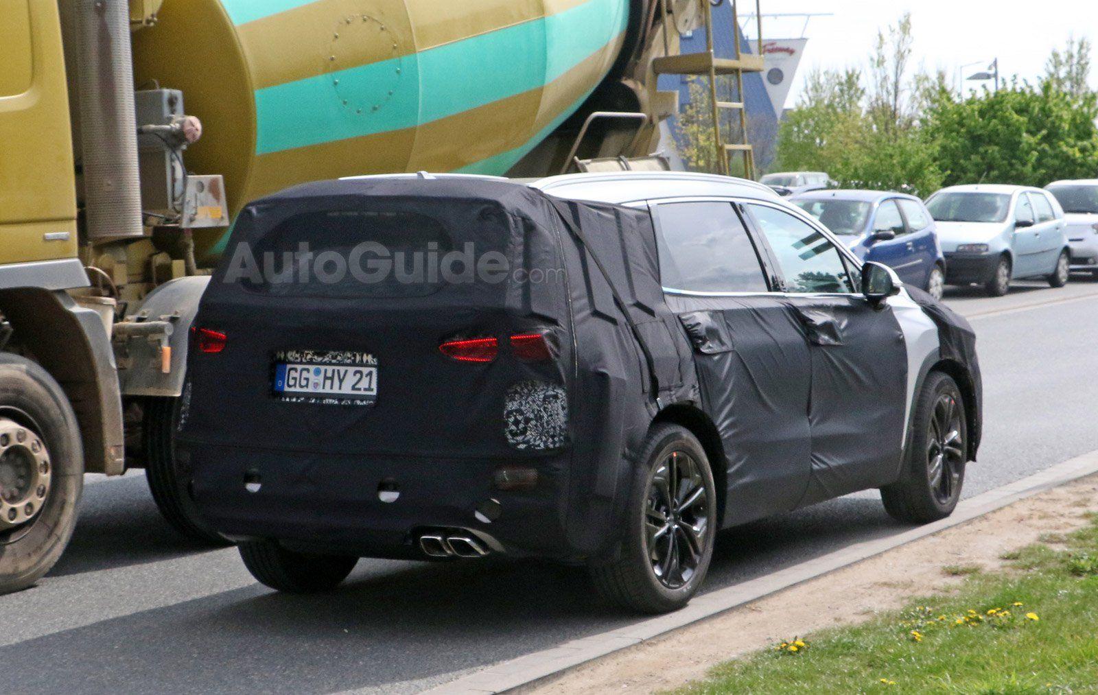 2019 Hyundai Santa Fe rear view